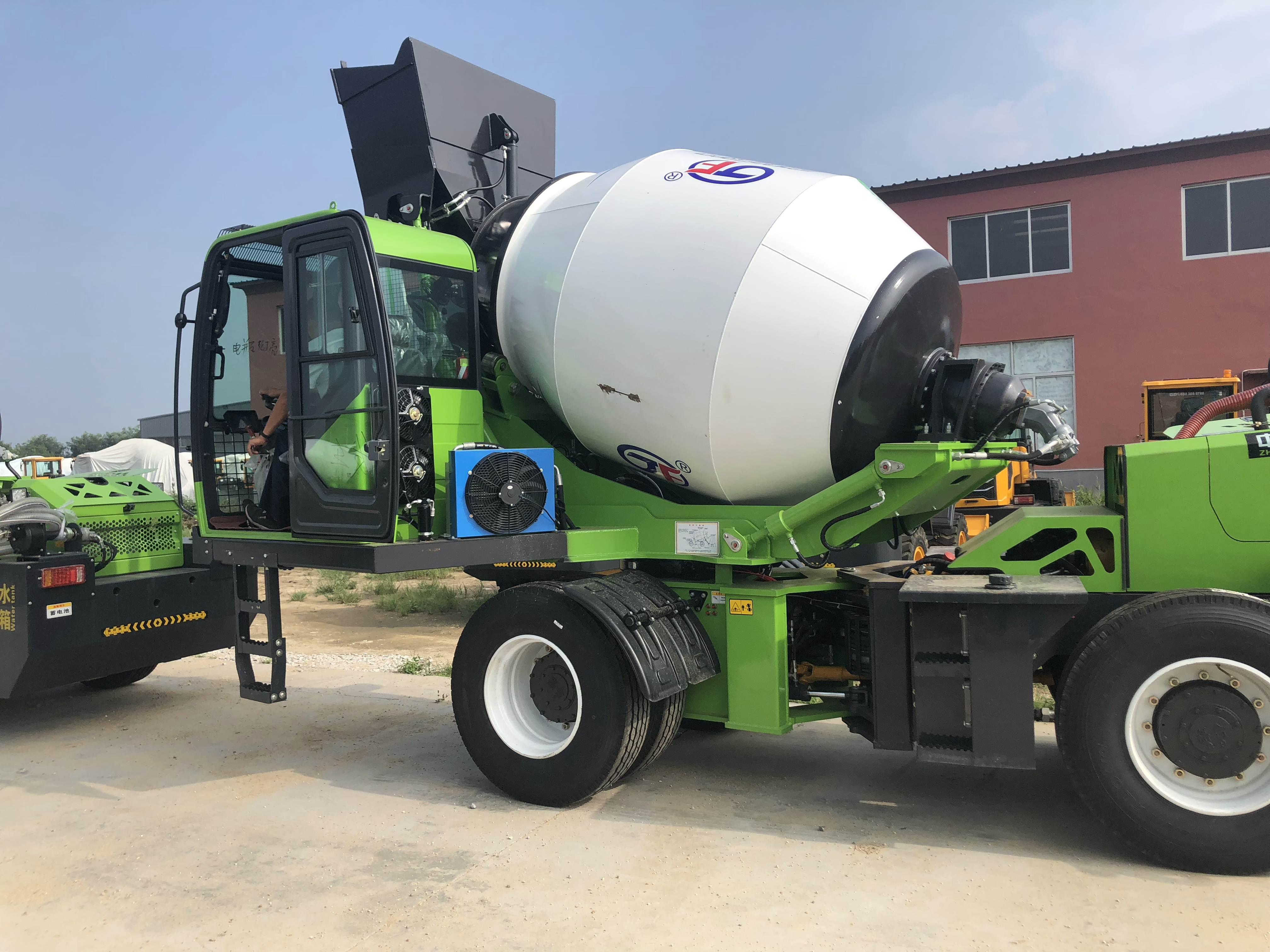 自动搅拌一体车是如何进行修复土壤残渣?